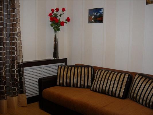 2-комнатная квартира посуточно в Харькове. Киевский район, Пушкинский въезд, 11. Фото 1