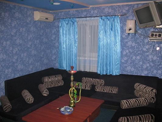 2-комнатная квартира посуточно в Харькове. Октябрьский район, ул. Марьинская, 22. Фото 1