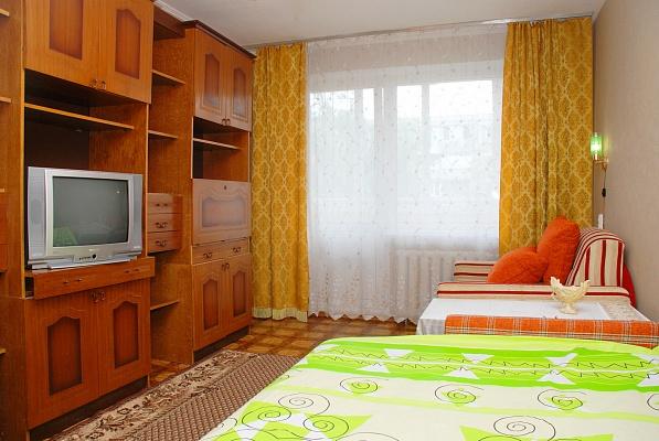 1-комнатная квартира посуточно в Киеве. Святошинский район, ул. Якуба Коласа, 9. Фото 1