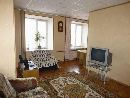 1-комнатная квартира посуточно в Херсоне. Суворовский район, пр-т Ушакова, 69. Фото 1