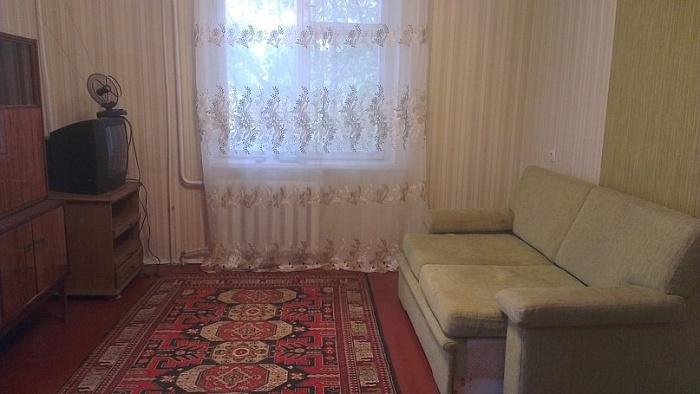 1-комнатная квартира посуточно в Макеевке. б-р Горбачева, 4. Фото 1