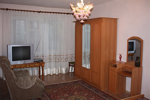 1-комнатная квартира посуточно в Луганске. Ленинский район, ул.Курчатова. Фото 1