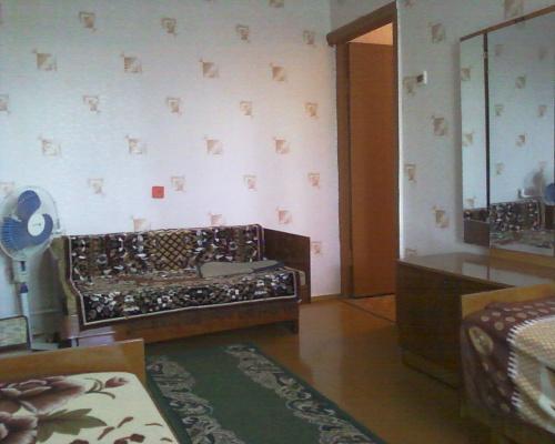 2-комнатная квартира посуточно в Евпатории. ул. Перекопская. Фото 1