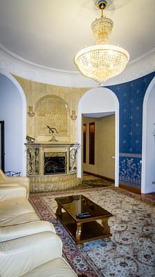 3-комнатная квартира посуточно в Одессе. Приморский район, ул. Пантелеймоновская, 28. Фото 1