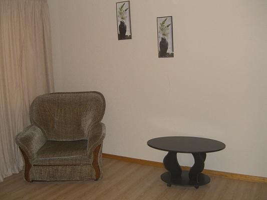 1-комнатная квартира посуточно в Керчи. ул. Cергея Борзенко, 21. Фото 1