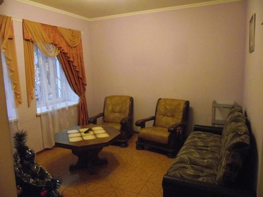 3-комнатная квартира посуточно в Симферополе. Железнодорожный район, Гоголя, 23. Фото 1
