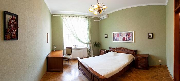 1-комнатная квартира посуточно в Одессе. ул. Солнечная, 1. Фото 1