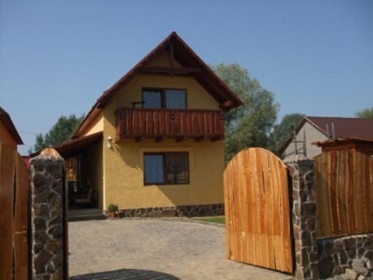 Дом  посуточно в Берегово. ул. Пляжна, 32. Фото 1