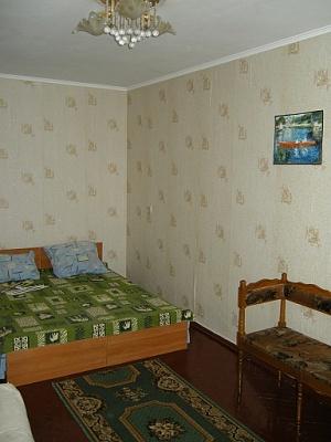1-комнатная квартира посуточно в Бердянске. ул. Розы Люксембург, 6. Фото 1