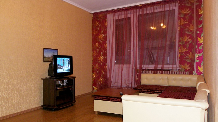1-комнатная квартира посуточно в Харькове. Ленинский район, ул. Котлова, 38. Фото 1