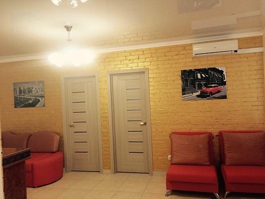 3-комнатная квартира посуточно в Николаеве. Ленинский район, пр-т Богоявленский (Октябрьский), 55. Фото 1