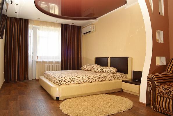 1-комнатная квартира посуточно в Кривом Роге. Саксаганский район, ул. Космонавтов, 3. Фото 1