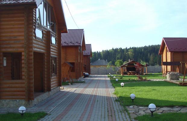 Дом  посуточно в Мигово. ул. Буковинская, 85 . Фото 1