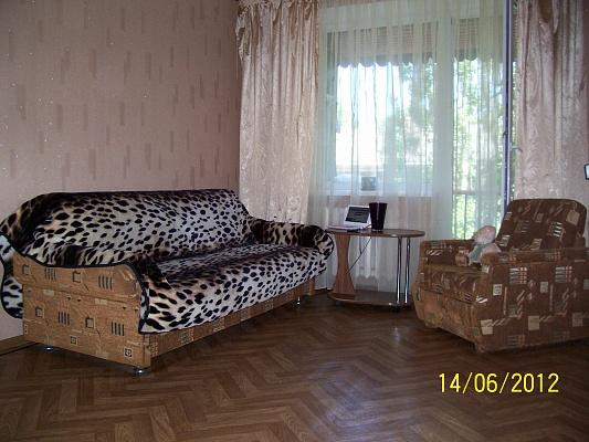 2-комнатная квартира посуточно в Одессе. Приморский район, ул. Довженко, 10. Фото 1