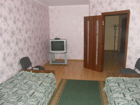 2-комнатная квартира посуточно в Хмельницком. ул. Трудовая, 17. Фото 1