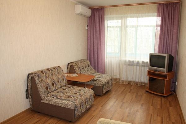 1-комнатная квартира посуточно в Евпатории. ул. Некрасова, 65. Фото 1