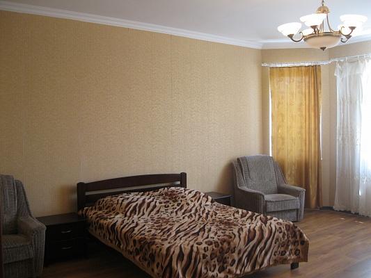 1-комнатная квартира посуточно в Ильичёвске. ул. Хантадзе, 4. Фото 1