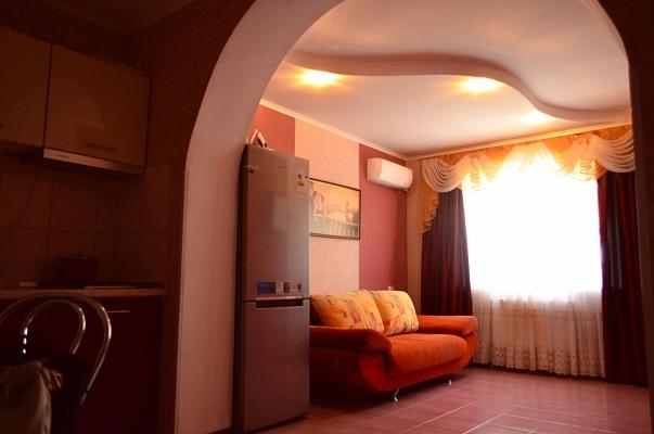 1-комнатная квартира посуточно в Полтаве. Октябрьский район, ул. Розы Люксембург, 13. Фото 1