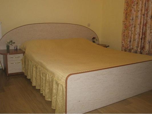 2-комнатная квартира посуточно в Тернополе. ул. Над ставом, 6. Фото 1