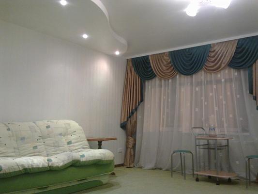 1-комнатная квартира посуточно в Луганске. Ленинский район, кв. Гер Брест Крепости, 4. Фото 1
