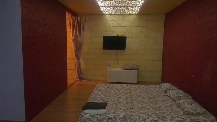 1-комнатная квартира посуточно в Макеевке. ул. Панченко, 1-1а. Фото 1