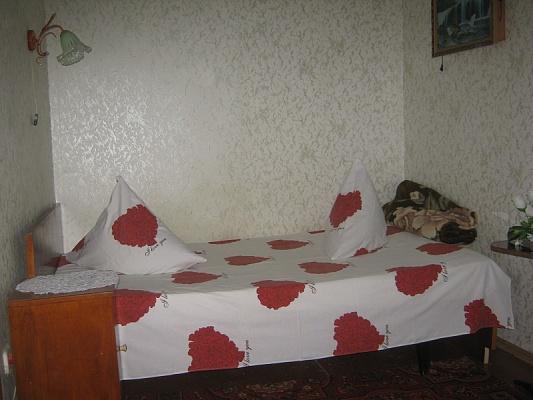 Дом  посуточно в Бердянске. ул. Горького, 9. Фото 1