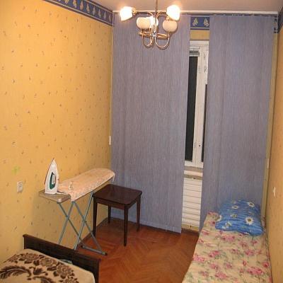 2-комнатная квартира посуточно в Киеве. Днепровский район, ул. Челябинская, 7. Фото 1
