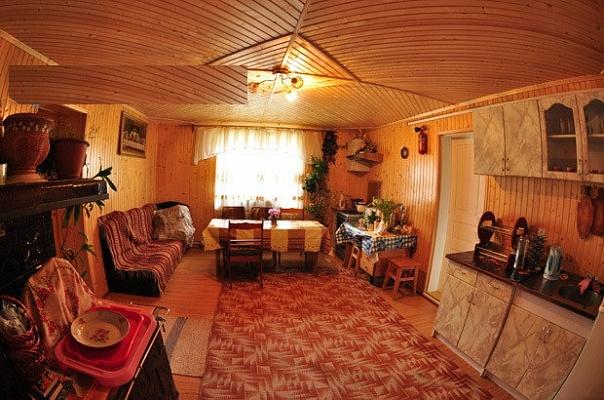 Дом  посуточно в Верховине. ул. О. Довбуша, 31. Фото 1