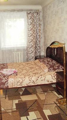 2-комнатная квартира посуточно в Полтаве. Киевский район, ул. Октябрьская, 71. Фото 1