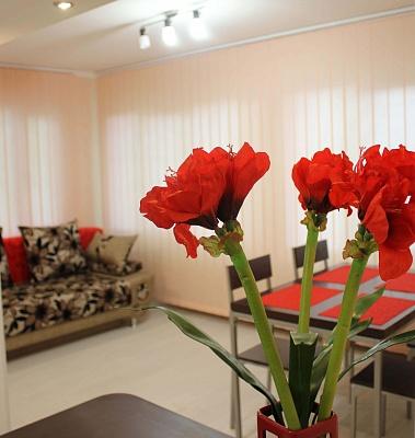 3-комнатная квартира посуточно в Одессе. Приморский район, ул. Кленовая, 2. Фото 1