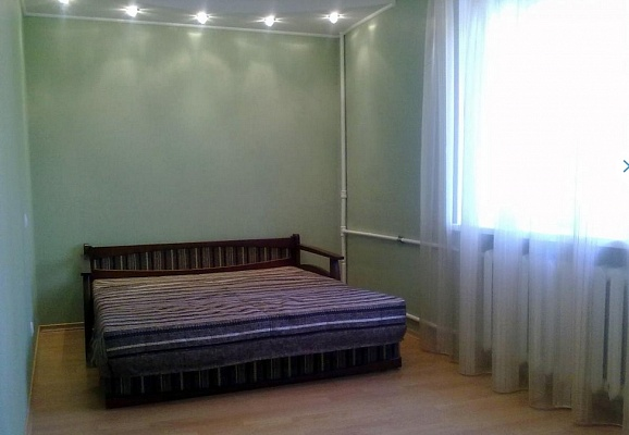 1-комнатная квартира посуточно в Алупке. ул. Ленина, 22. Фото 1