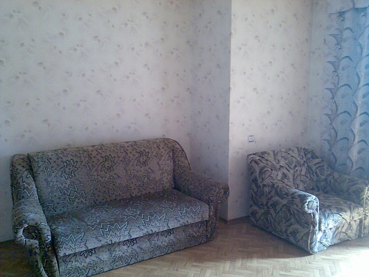 1-комнатная квартира посуточно в Черкассах. ул. Гагарина, 35. Фото 1