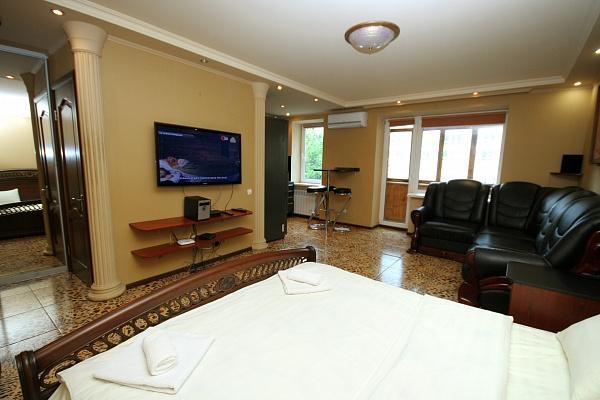 1-комнатная квартира посуточно в Киеве. Печерский район, ул. Лескова, 6. Фото 1