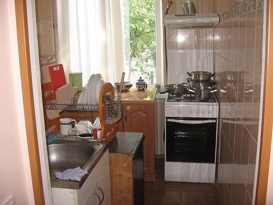 2-комнатная квартира посуточно в Гурзуфе. ул. Строителей, 1. Фото 1