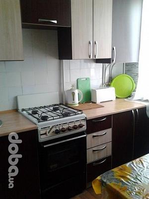 1-комнатная квартира посуточно в Никополе. пр-т Трубников, 10. Фото 1