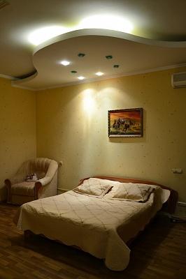 1-комнатная квартира посуточно в Севастополе. Ленинский район, ул. Советская, 32. Фото 1