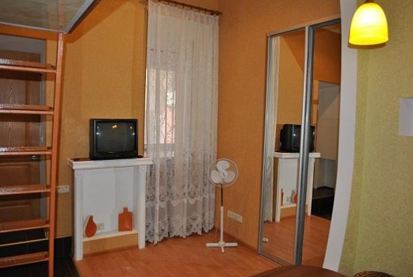 1-комнатная квартира посуточно в Одессе. Приморский район, Преображенская, 71. Фото 1