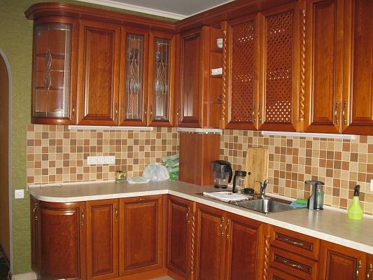 2-комнатная квартира посуточно в Ильичёвске. Пригород район, ул. 1 Мая, 1 Г. Фото 1