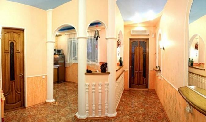 2-комнатная квартира посуточно в Севастополе. Ленинский район, Новороссийская, 18. Фото 1