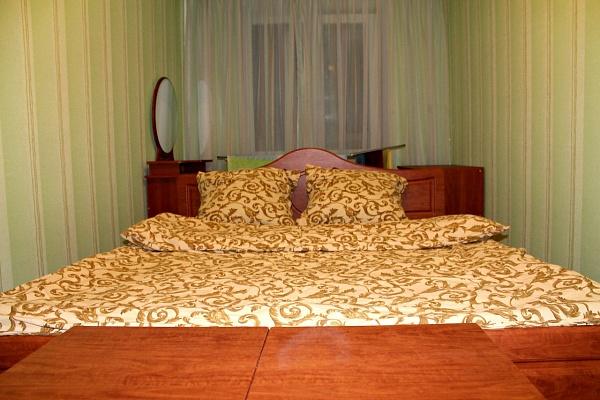 2-комнатная квартира посуточно в Луцке. ул. Винниченка, 49. Фото 1