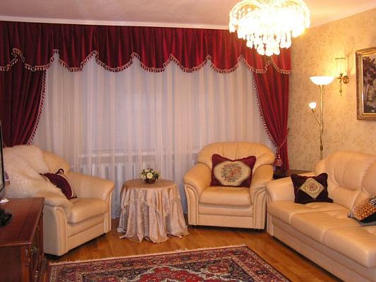 3-комнатная квартира посуточно в Севастополе. Гагаринский район, Героев Сталинграда, 53. Фото 1