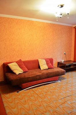 1-комнатная квартира посуточно в Кременчуге. ул. Переяславская, 40. Фото 1