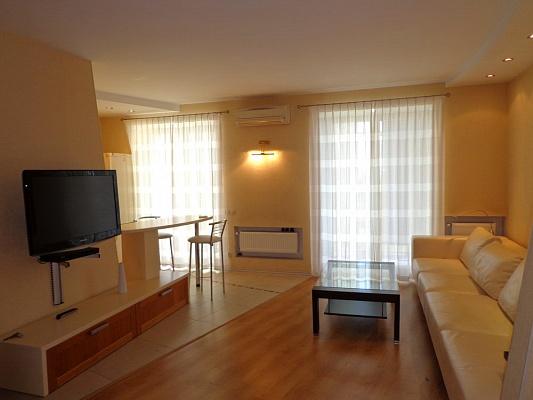 2-комнатная квартира посуточно в Одессе. Приморский район, пер. Шампанский, 2\1. Фото 1