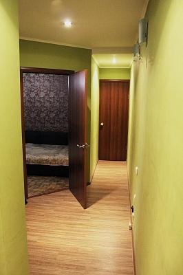 2-комнатная квартира посуточно в Севастополе. Гагаринский район, ул. Меньшикова, 3. Фото 1