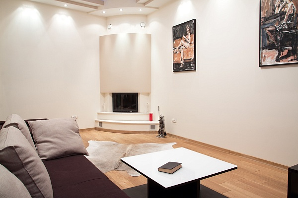 2-комнатная квартира посуточно в Львове. Галицкий район, ул. Рыбная, 5. Фото 1