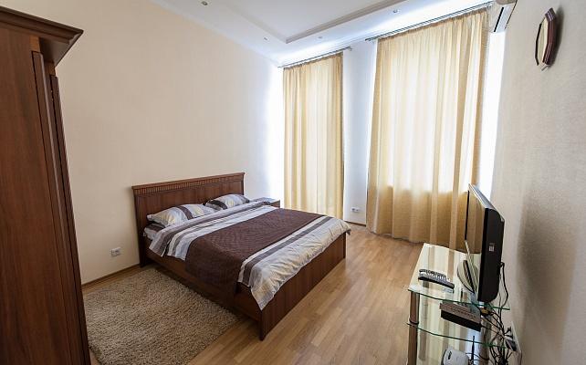 1-комнатная квартира посуточно в Киеве. Печерский район, ул. Бассейная, 12. Фото 1