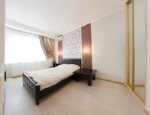 3-комнатная квартира посуточно в Одессе. массив Радужный, 12. Фото 1