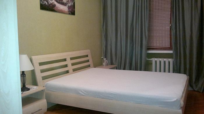 2-комнатная квартира посуточно в Житомире. пл. Соборная, 4. Фото 1