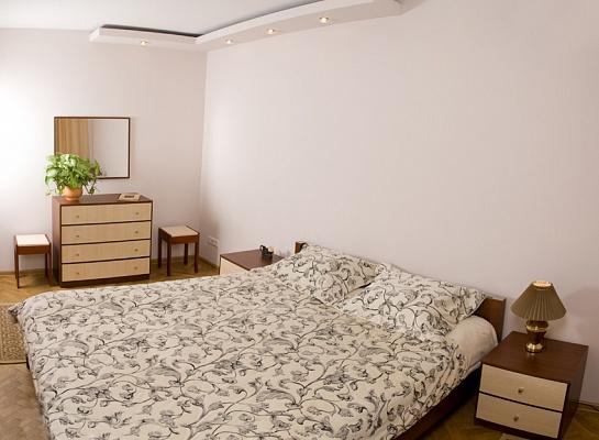 2-комнатная квартира посуточно в Львове. Лычаковский район, ул. Карпатская, 6. Фото 1