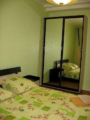 2-комнатная квартира посуточно в Одессе. Приморский район, ул. Софиевская, 22. Фото 1
